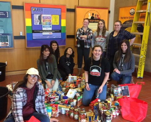group of students at governor's food drive